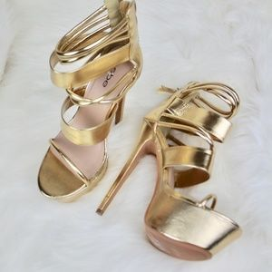 Bebe Daniella High Platform Gold Strappy Heels 8